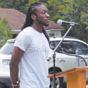 Kontari Wright, son of late Councilman James R. Wright, speak on behalf of his family.