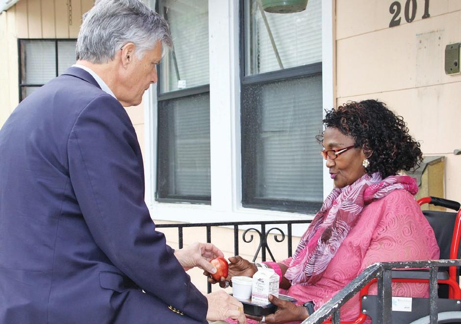 Mayor DeLoach and Setirha Thomas