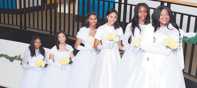 L-R: Monae Mokell Petty, Mercer University; Amaya Cayla Williams, Spelman College; Diana Rose Wickham, Hampton University; Rose Aurelia Moss, Virginia Polytechnic Institute and State University; Brianna Elaine West, Georgia State University; Ka'Lisha Tamari Credle, Savannah State University Photo by: Middleton & Riley Photography